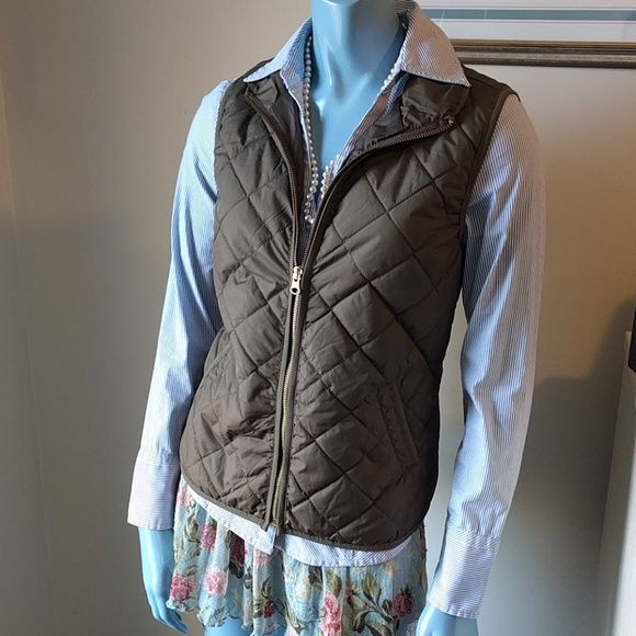 Swapdrobe Jackets & Blazers - Olive Fitted Quilted Puffer Vest